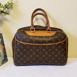 LV deauville authentic